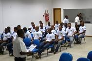Pescadores de Itapuã recebem curso de habilitação naval